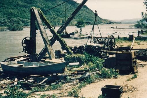 Bannermans_Edited-Cropped-Set_03_dock-crane_full